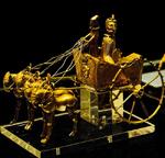 Золотая модель колесницы
